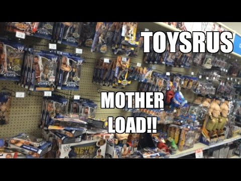 WWE ACTION INSIDER: Throwing Mattel Elite Wrestling Figures at ToysRus and Target Toy aisles!