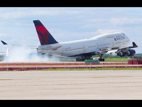 Delta 747 EMERGENCY LANDING (Hydraulic issue), DTW*