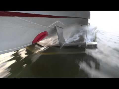 почему посадку в лодку производят когда она уже на воде обоснуй свою точку зрения