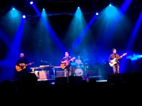 Teenage Fanclub - Mellow Doubt, live @ bowlie2