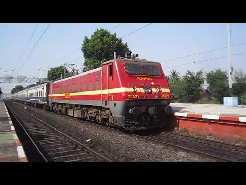 Aggressive & Crazy Wap-4 Honking Janshatabdi Scorches Talit !!! video