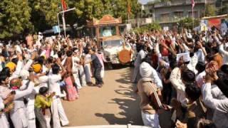 Bhajan-Manush janam anmol re.wmv