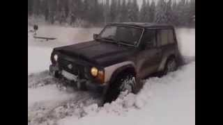 Nissan Patrol Y60 2.8TD off road on snow