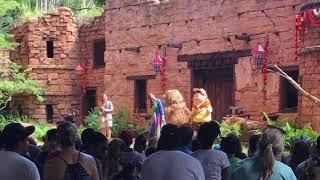 Talking Dogs And Singing Birds | Disney World 2018 | Random With Rachel