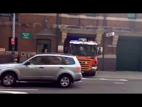 Fire & Rescue NSW Darlinghurst 004 Pump Responding to Afa 11-8-14.