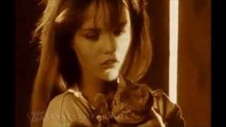 Watch Vanessa Paradis Maxou video