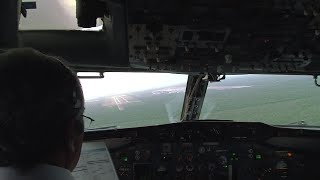 737-200  landing at Cancun Mexico | strong crosswinds