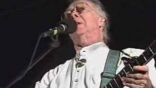 Renowned Irish Singer Makem Dies In New Hampshire