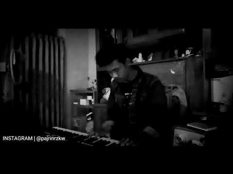 Banda Neira - Sampai Jadi Debu (Menampilkan Gardika Gigih)