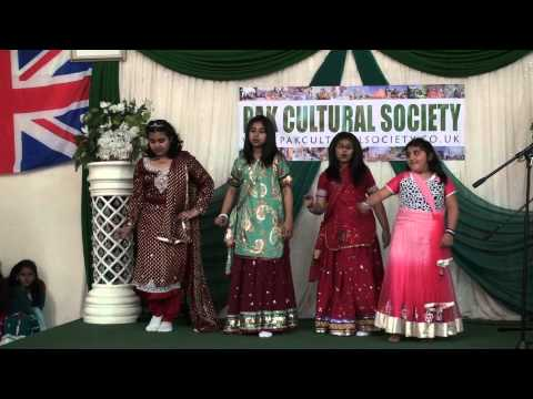 Pakistan Independence Day 2013   Girls Cultural Dance on Mane...