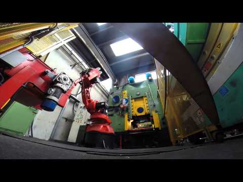 Comau Robots Machine Tending for Quality Control and Visual Inspection