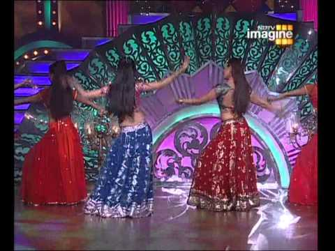 dancing like  Aishwarya Rai