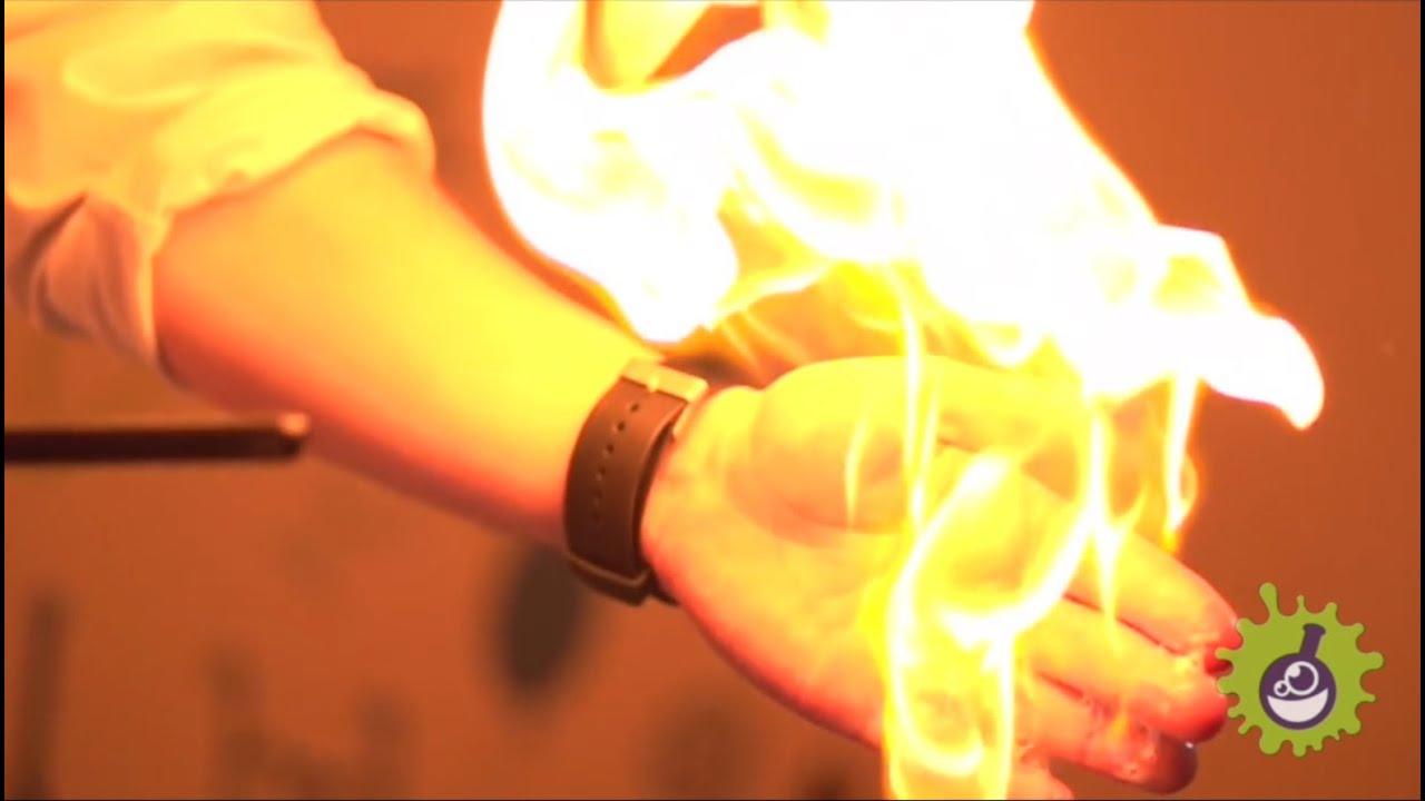 Как сделать огонь на руках в домашних условиях8