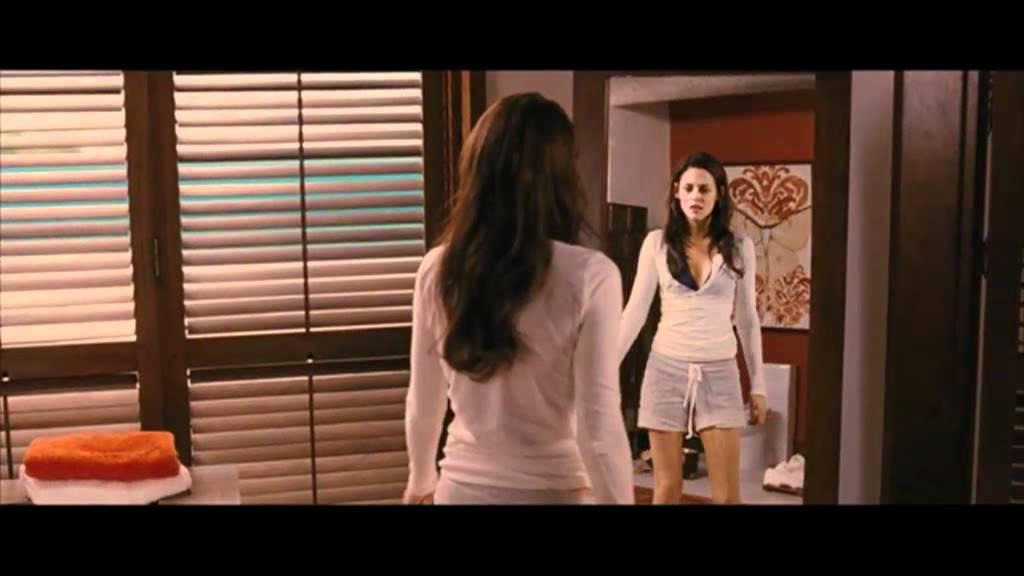 Movie Clip: Breaking Dawn Pt. 1 - Bella discovers she's pregnant ...
