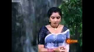 Divya's Rare Naa Ille Naa Swargam scene!