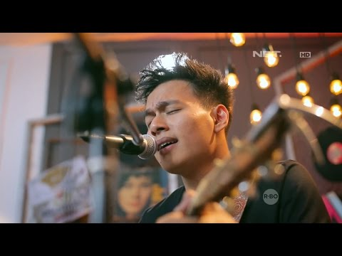 Rendy Pandugo - I Don't Care (Live at Breakout)