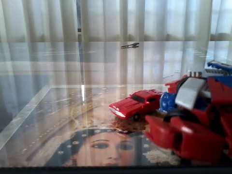Cliffjumper-Trasformers Prime Autobot  Review