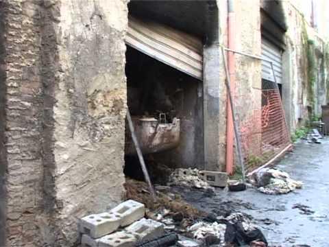 SICILIA TV FAVARA – Favara. Lavori casa Ambrosini. Incendiato escavatore.