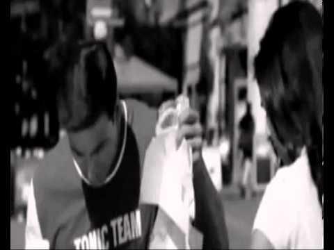 Aapka Suroor - Samjho Na Kuch To Samjho Na - YouTube_2