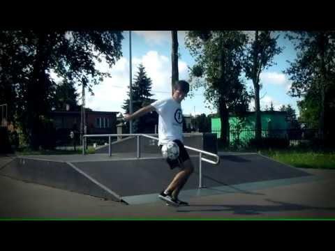 Dawid 'Jarzęboś' Jarzębowski - YLYF - Freestyle Football Promo 2012
