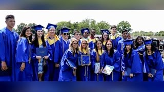 High School Breaks Record Having 9 Sets of Twins Graduate Together