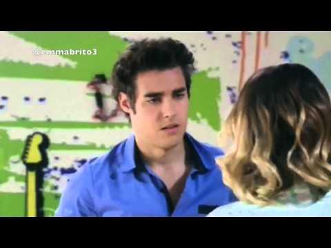 Violetta 3 - Violetta interrumpe la grabación de los chicos para hablar con León (03x72)