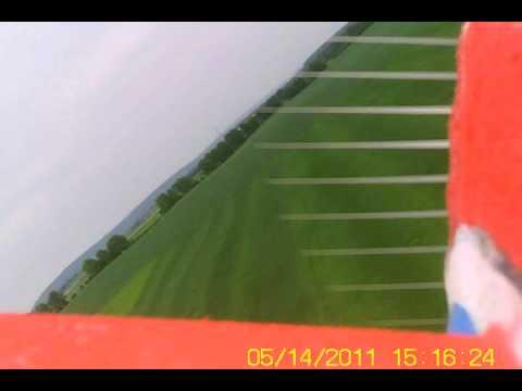 Polétání s akrobatickým modýlkem (kamera na kabině)