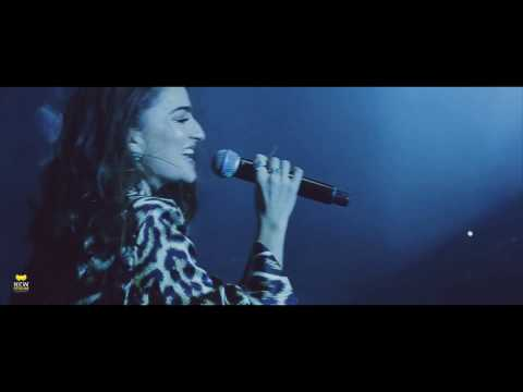 Offer Nissim ft  Ania Bukstein - LIVE - אניה בוקשטיין ועופר ניסים - רוקדת