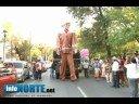 Desfile y homenaje al [video]