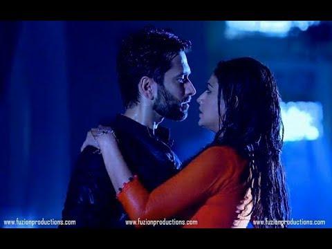 Mere raske qamar    shivaay and anika romantic scene    rahat fate Ali khan    Race 3    Race 3 song