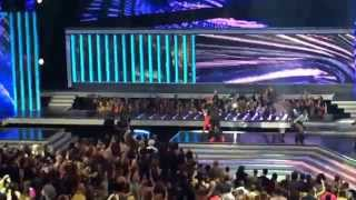 Travesuras - Nicky Jam LIVE at Latin Bollboards 2015