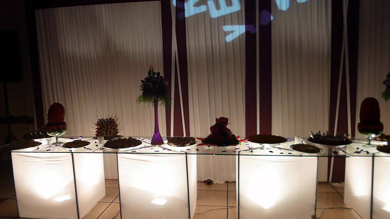 Matrimonio decoracion mesa de buffet y torta youtube - Mesas para buffet ...