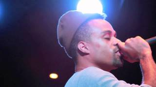 Bilal Oliver and 88-Keys - Think It Over - Live.mov