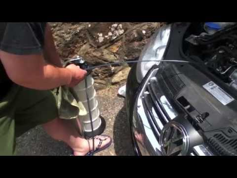 How to: TDI Oil Change DIY w/ Topside extractor method [DIESEL REVIEW]