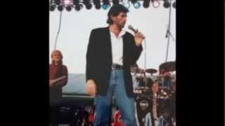 Watch Eddie Rabbitt Skip A Beat video