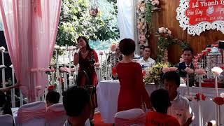 Lê Thị Dần hát đám cưới