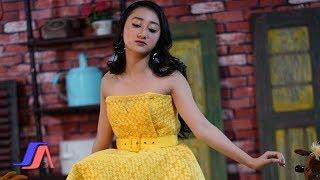 Sandrina Di Tikung Teman Official Music Audio
