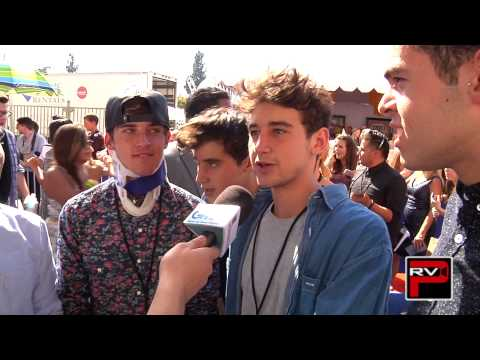 The Janoskians Cry, Have Wet Dreams, Speak In Funny Accents & More at Teen Choice Awards 2014!