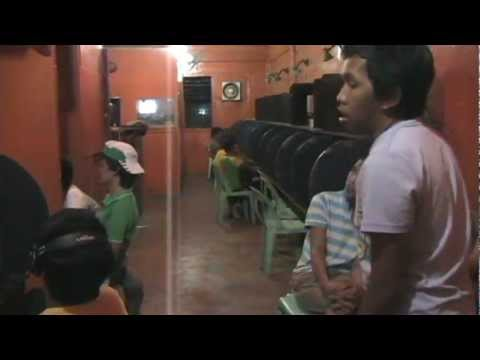 Upak Mata Sainoy Internet Cafe video