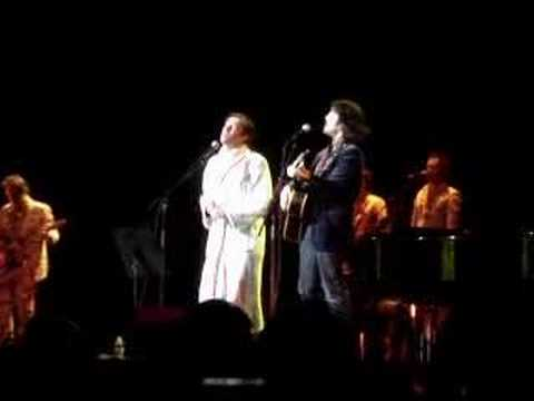 Rufus Wainwright & Sean Lennon sing Across the Universe