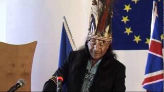 video Un Indiano davanti alla Comunità Europea.