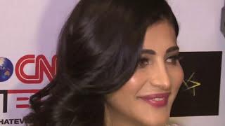 Shruti Hassan exposed her Big Boobs At Lakme Fashion Week