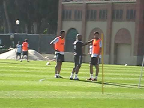 Raul Albiol and Ezequiel Garay Video