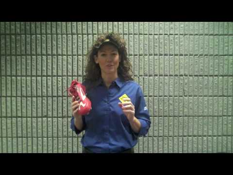 Michele Smith Reviews the 3N2 Accelerate PT Fastpitch Cleat