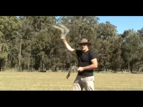 how to throw a boomerang. easy to follow  step by step