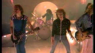 Watch Foreigner Love On The Telephone video