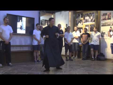 45 - Grandmaster Samuel Kwok performs Biu Gee (Biu Tse) at Ip Man Tong