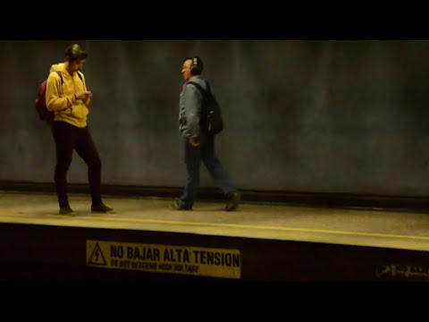 Bailarín anónimo Metro Estación Moneda ORIGINAL