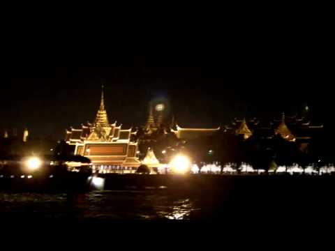 Dinner cruise on the Chao Phraya River Bangkok