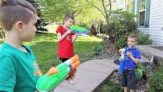 New Magical Water Blaster (Super Soaker vs X Shot)